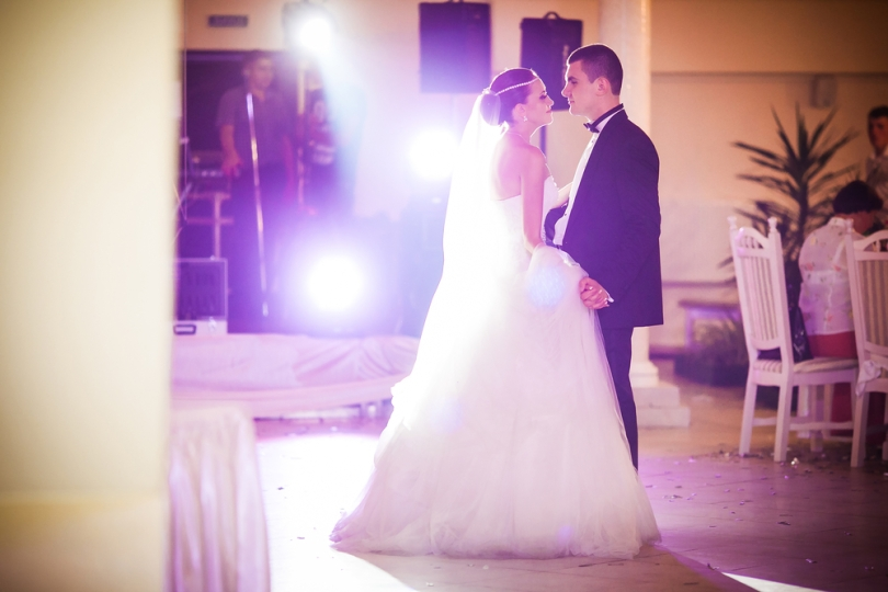 5 top tips for choosing your first dance song engagement ring